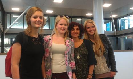 Голландские студентки молодые женщины
