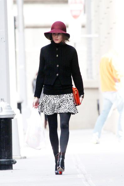 Женщина в шляпе фото