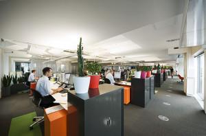 Офис крупной компании фото