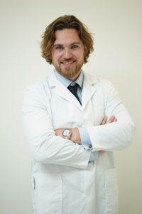 Глеб Пекли стоматолог